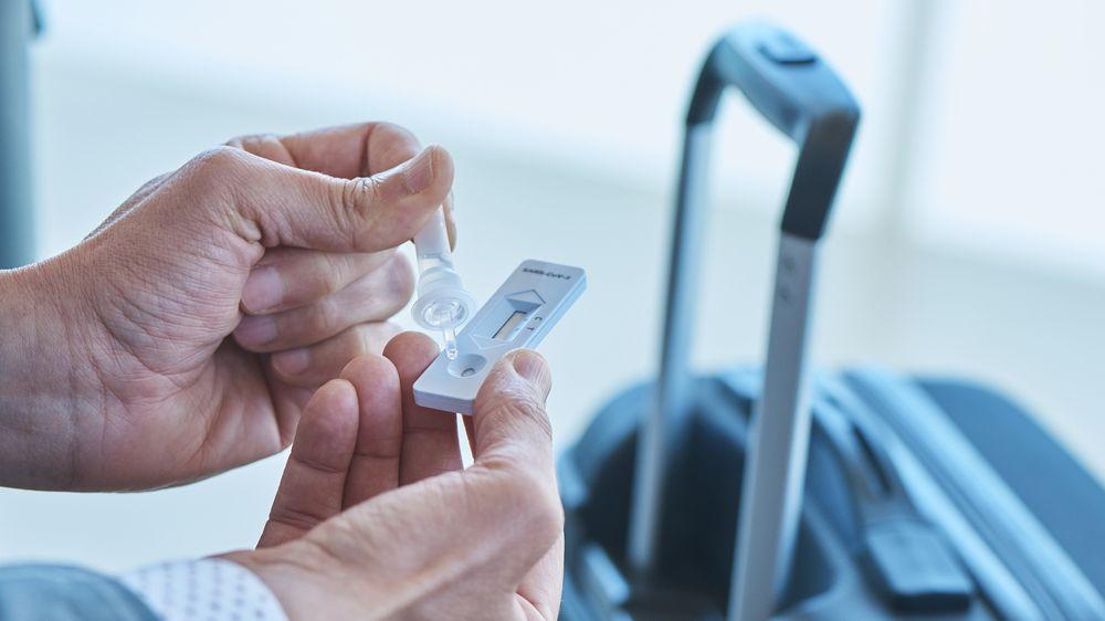 Jaké letiště nejdráž testuje na covid? V Ósace si účtují přes osm tisíc korun