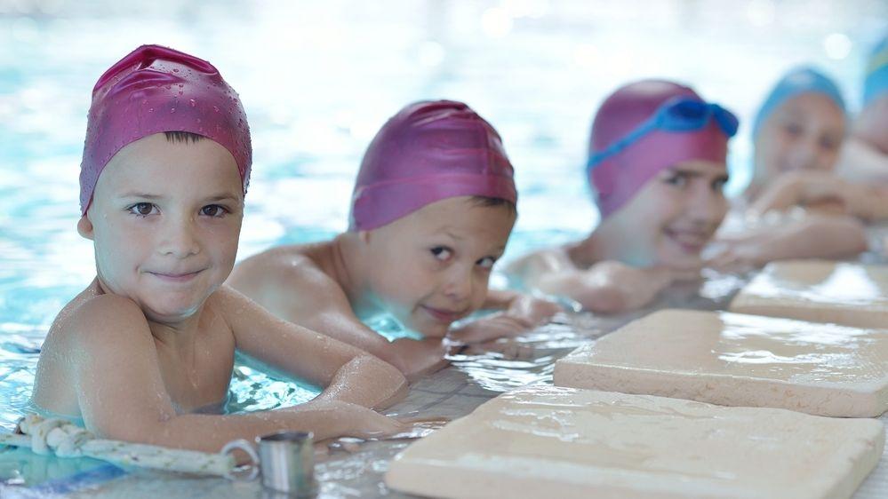 Kurzy plavání pro děti rok neprobíhaly. Může to zhoršit statistiky utonulých