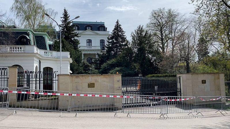 Vyhoštění ruských diplomatů v solidaritě s ČR? Západním zemím se moc nechce
