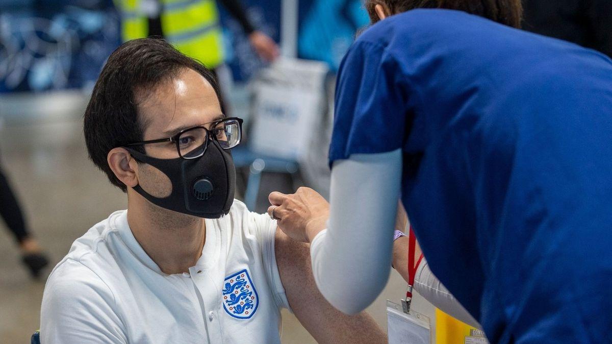 """""""Čeká nás mizerná zima."""" Británie se připravuje na návrat respiračních chorob"""