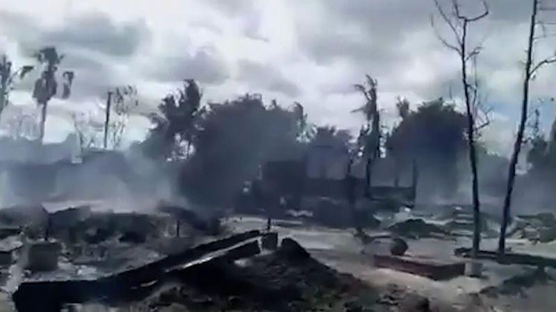 V Barmě vypálili celou vesnici, požár zřejmě založila armáda