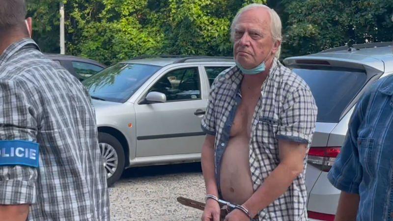 Časová osa: Násilí odstartovalo propuštění Jiřího Dvořáka z práce