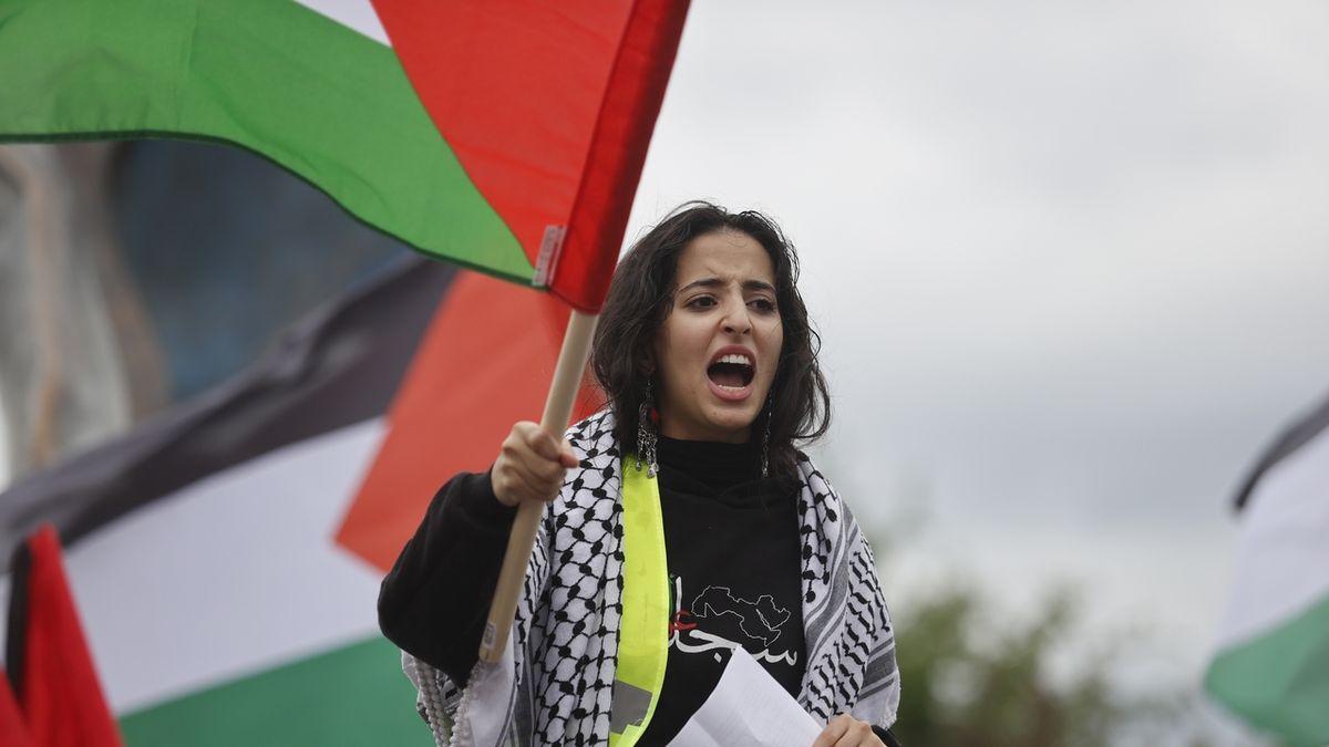 FOTO: V Praze se demonstrovalo za Palestinu i Izrael