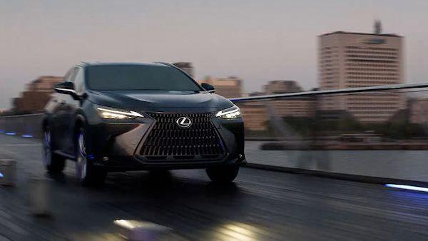 Lexus NX přijíždí v nové generaci, je prvním plug-in hybridem značky