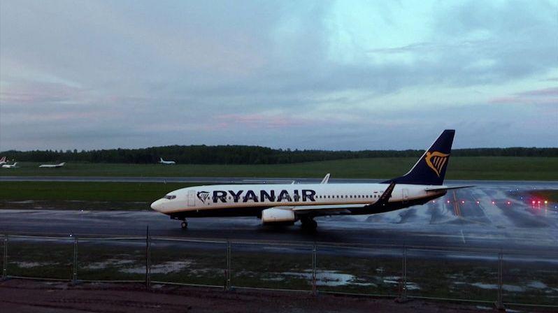 Litva ověřuje totožnost pasažérů letu Ryanairu, kteří vystoupili v Minsku
