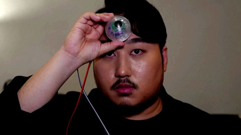 Pro ty, co se neodtrhnou od mobilu, vytvořil Korejec třetí oko