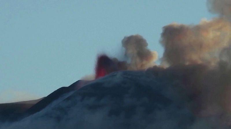 Na jihu Itálie vybuchly v jeden den sopky Etna a Stromboli