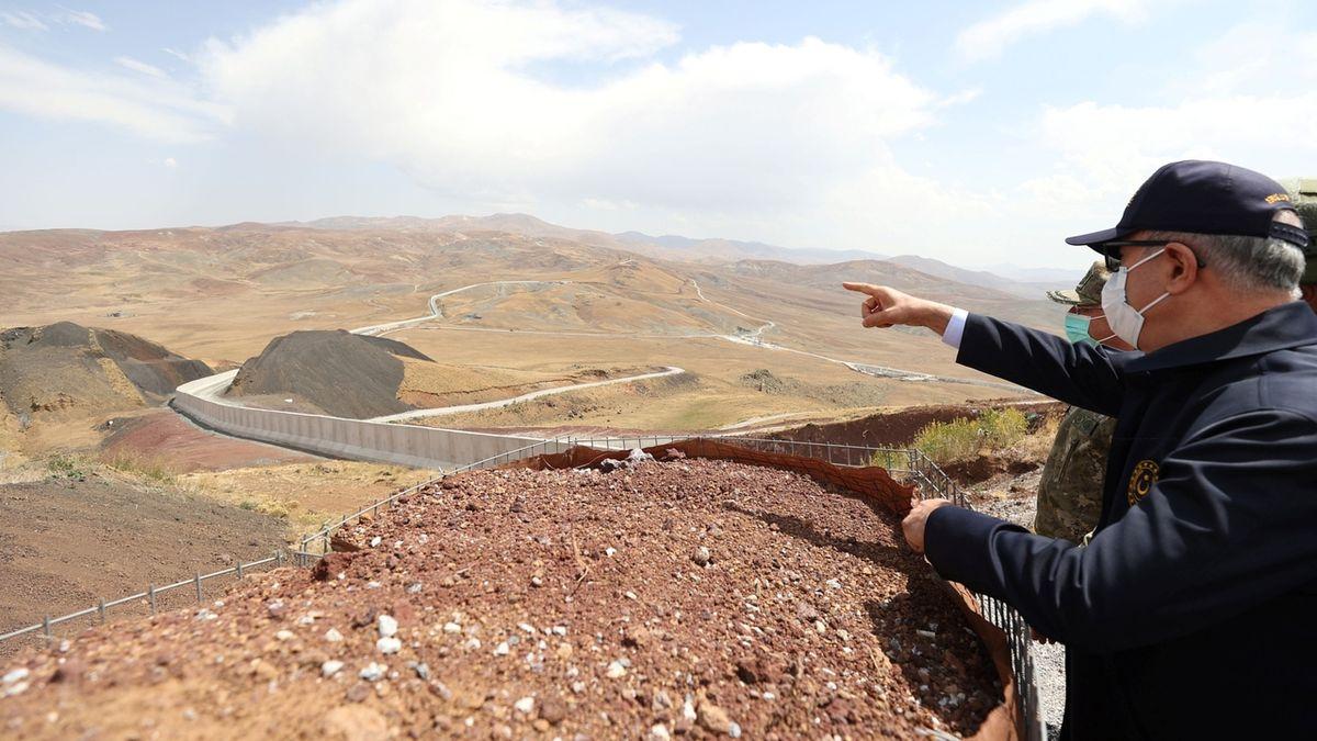 Turecko staví na hranicích zeď proti Afgháncům