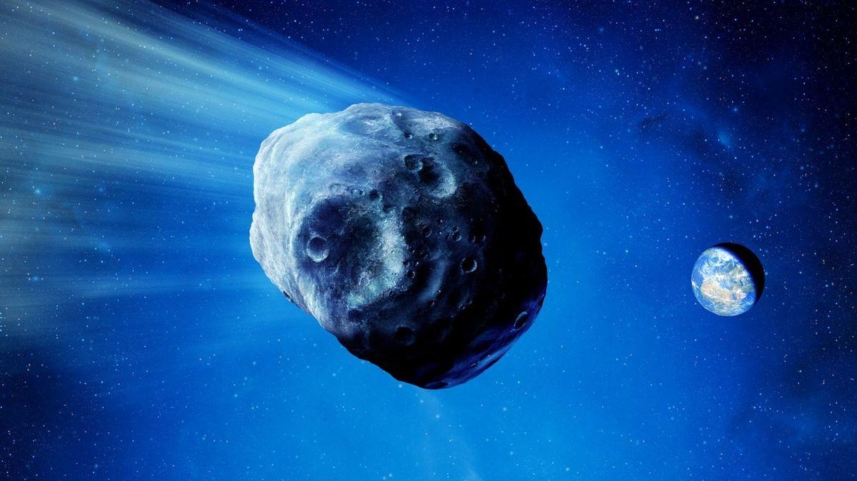 Kolem Země proletěl asteroid o velikosti egyptských pyramid