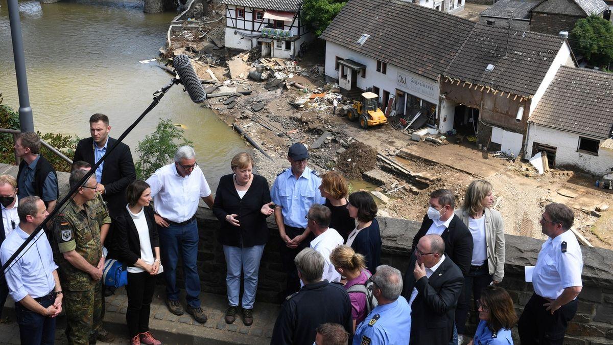 Merkelová: Němčina nemá slova pro devastaci, kterou živel způsobil