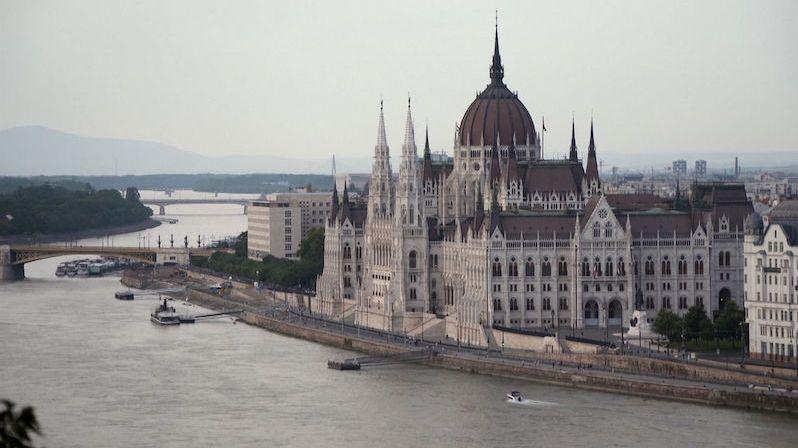 Budapešť zanedbává památky. UNESCO jí hrozí červenou listinou