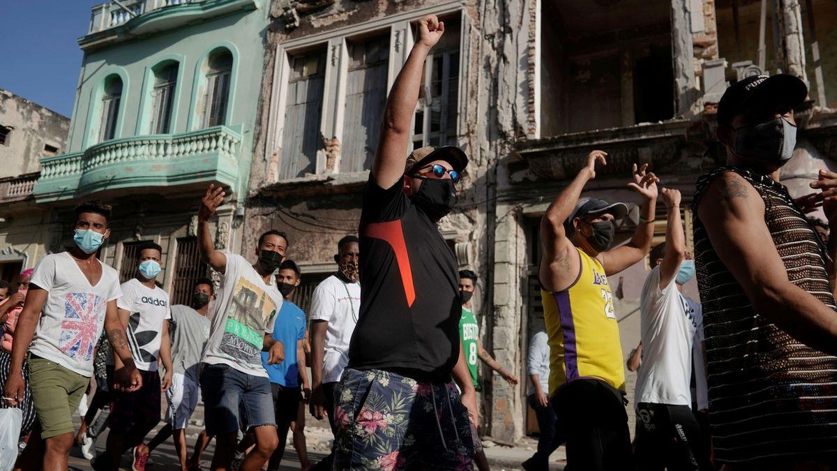 Na Kubě obnovili přístup k internetu, sociální sítě jsou ale nedostupné