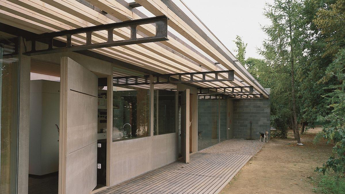 Vila v Nebušicích nabízí dostatek soukromí i společenského prostoru