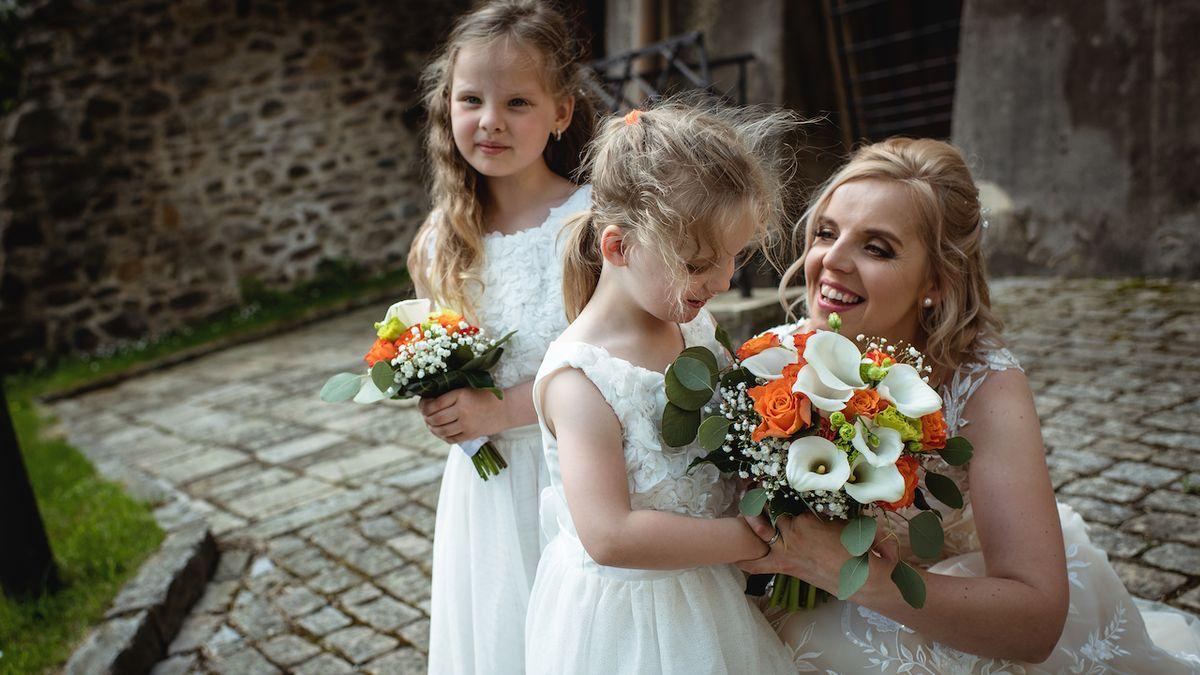 Paní Ivona a její dvě dcerky