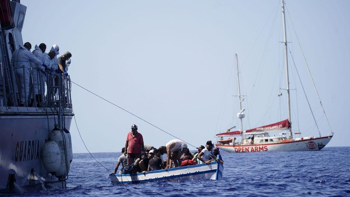 Na italský ostrov Lampedusa doplulo kolem 550 migrantů