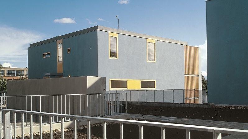 Stavby vynikají funkčností a jednoduchostí.