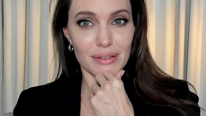 Brad Pitt točil s Weinsteinem, i když věděl, že mě obtěžoval, tvrdí Angelina Jolie