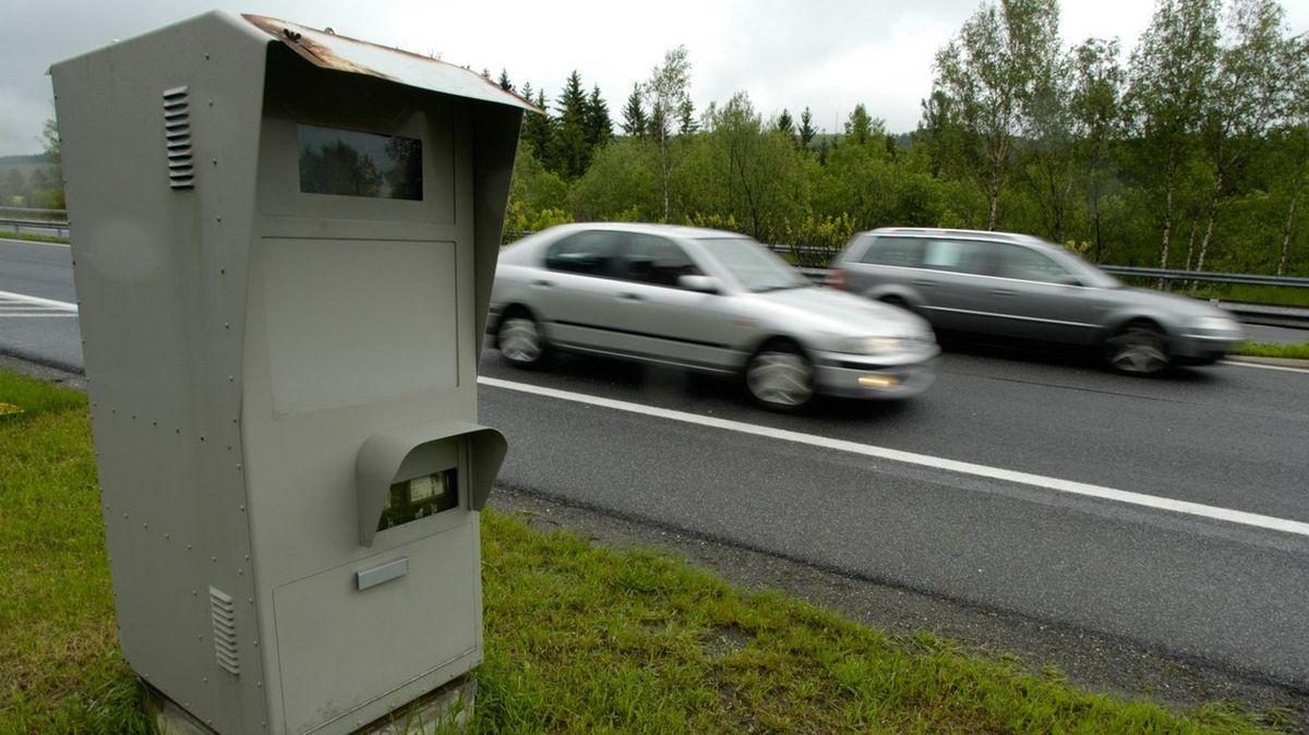 Šroub zkreslil značku, brání se řidička, která dostala 19 pokut