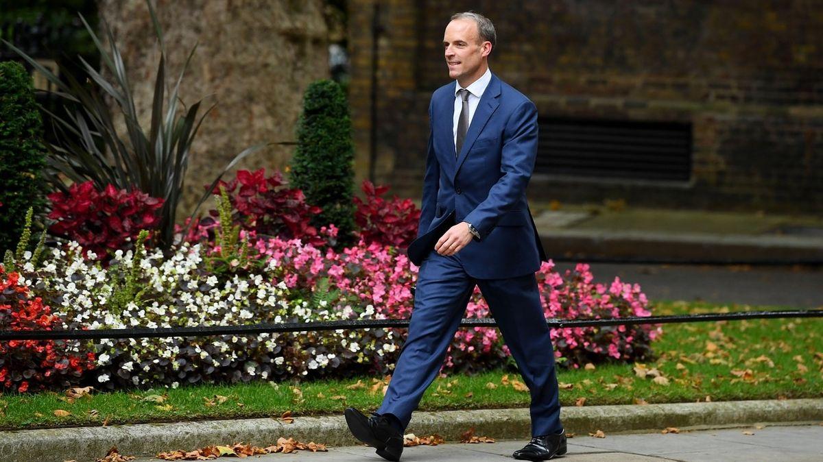 Boris Johnson obměňuje kabinet. Raab je novým britským vicepremiérem