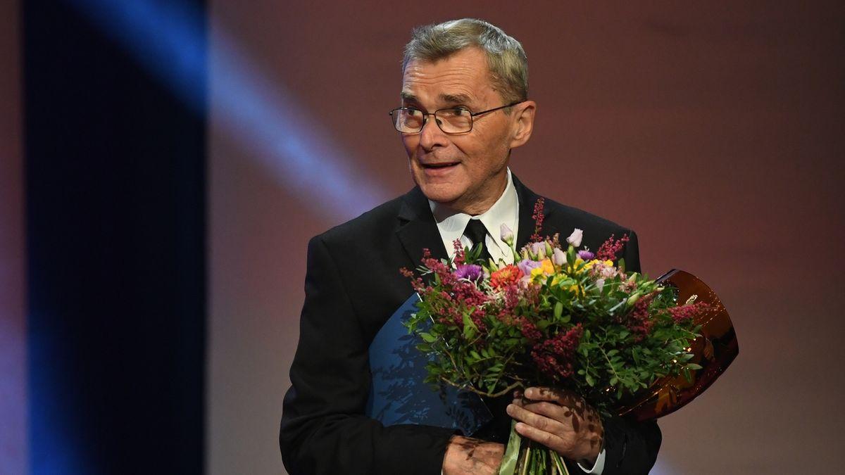 Cenu Thálie za šíření divadelního umění v televizi převzal Jaroslav Someš.