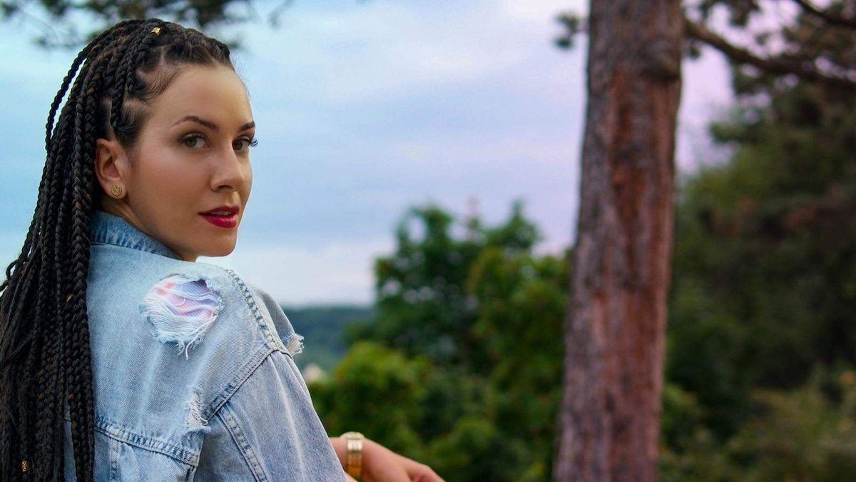 Zpěvačka Lara Morr: Mé písničky vznikly z lásky