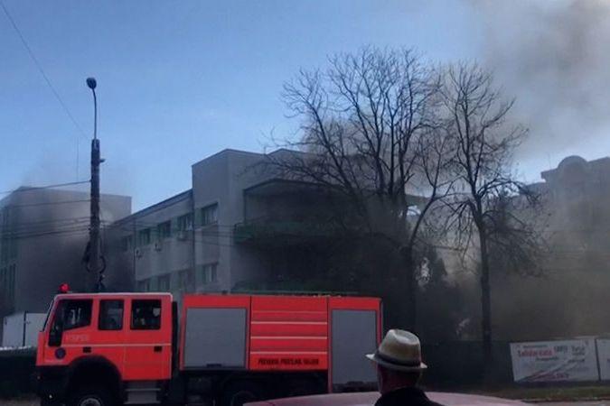 BEZ KOMENTÁŘE: Při požáru v covidové nemocnici v Rumunsku zemřelo nejméně devět pacientů
