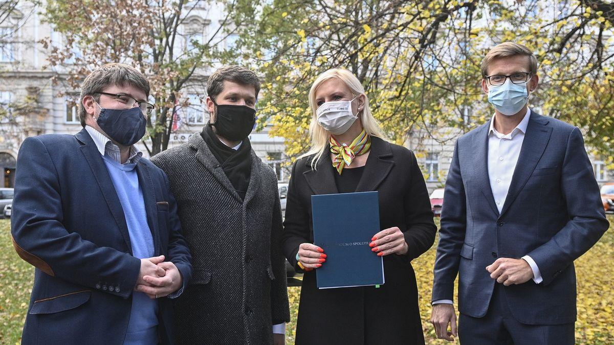 Koalice ve středních Čechách podepsala smlouvu