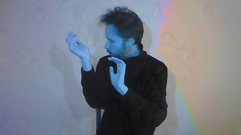 Kapela Květy ohlašuje novou desku dvěma singly. Videoklip má Robot