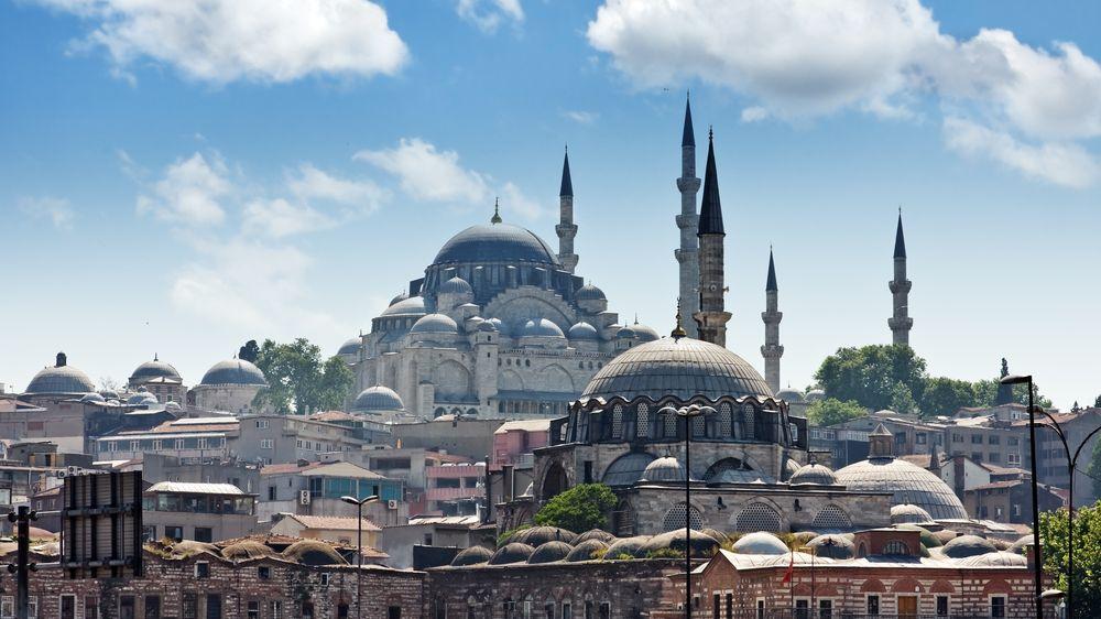 V Istanbulu zavedli víkendový lockdown. Na turisty se však nevztahuje