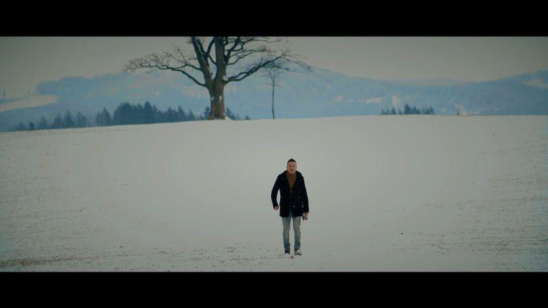 Petr Bende při natáčení nového videoklipu málem umrznul