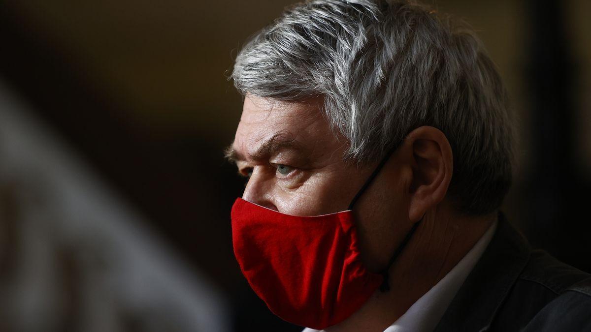 Komunisté mají před víkendem dilema: Filip, nebo nové vedení
