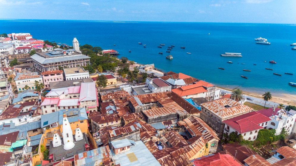 Češi mají zimy a nařízení dost, Zanzibar je oblíbený jako ještě nikdy