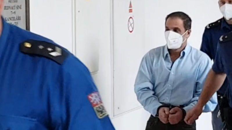 Za ubodání kamaráda dostal muž 17 let vězení