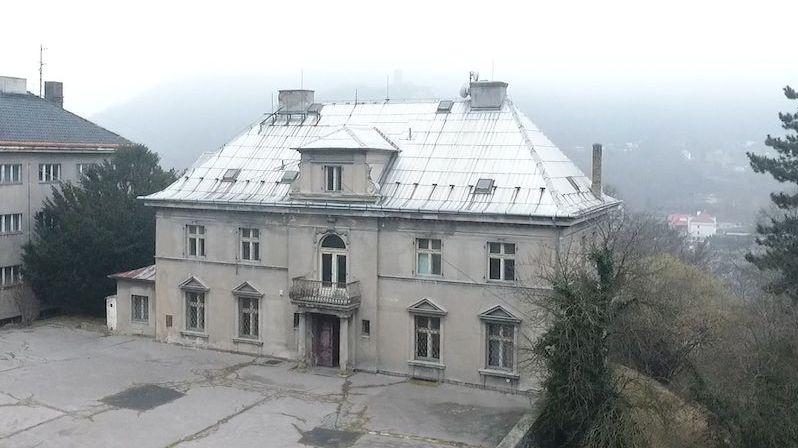 Prvorepubliková Hönigova vila v Ústí nad Labem je na prodej