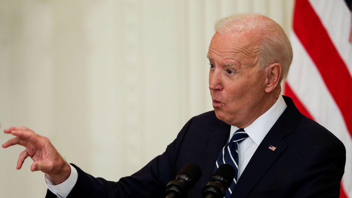 Biden volal Putinovi. Navrhl mu setkání