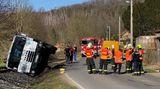 Motorkář na Kladensku nepřežil srážku snákladním autem