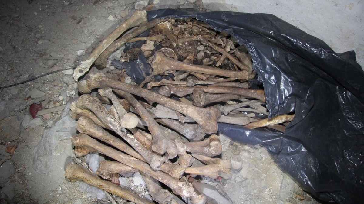 Po lebkách byly na Písecku nalezeny pytle s lidskými kostmi