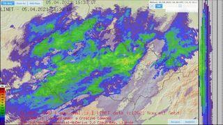 Česko zasáhlo sněžení a vichr, v Moravskoslezském kraji vyvracel stromy