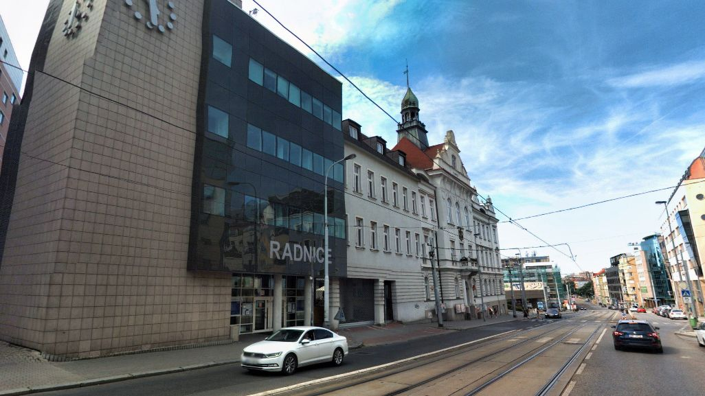 Praha 9 chce děti zpátky do škol. Podává žalobu