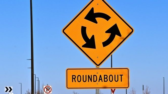 Že by Američané nepochopili kruhový objezd? Není to tak, jak se zdá