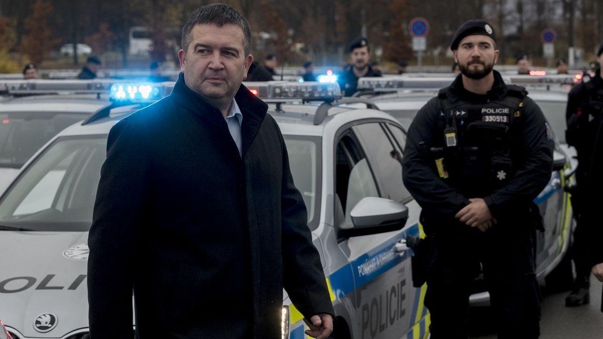 Hamáček dostal po vyhoštění lidí z ruské ambasády zesílenou ochranku