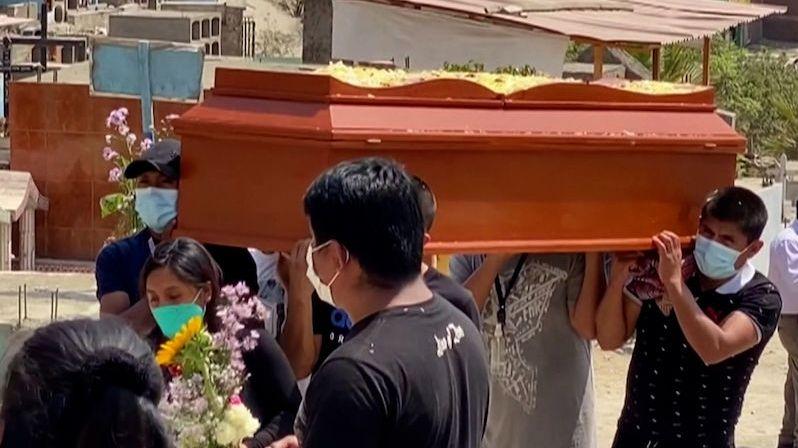 Peru přepočítalo mrtvé a rázem je zemí s nejvíce zemřelými na obyvatele