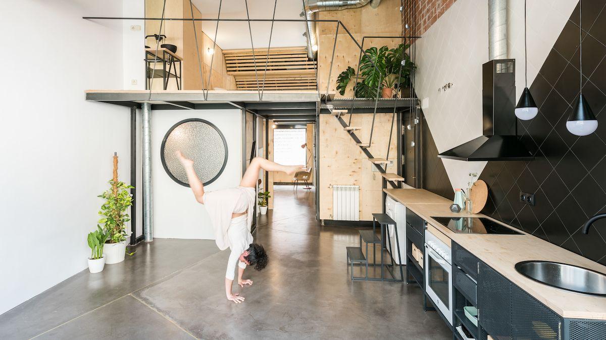 Středový loft zvětšil byt a pomohl s jeho uspořádáním