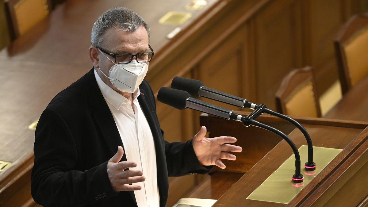 Sněmovna odsoudila nucené přistání letadla s Pratasevičem v Bělorusku