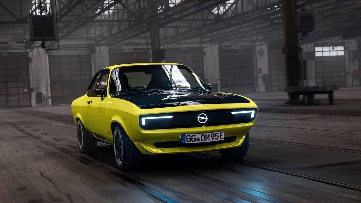 Opel přejde od roku 2028 na elektromobily, chystá návrat manty