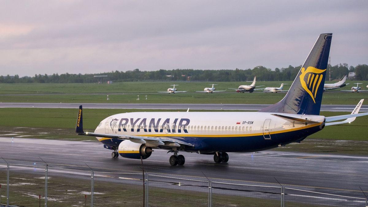 Ryanair a British Airways čelí vyšetřování, odmítly vrátit peníze za zrušené lety