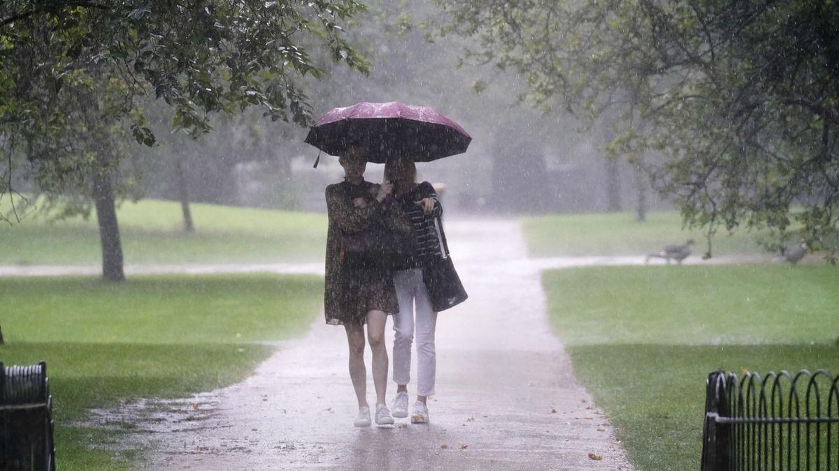 Vrchol léta? Chladný a deštivý