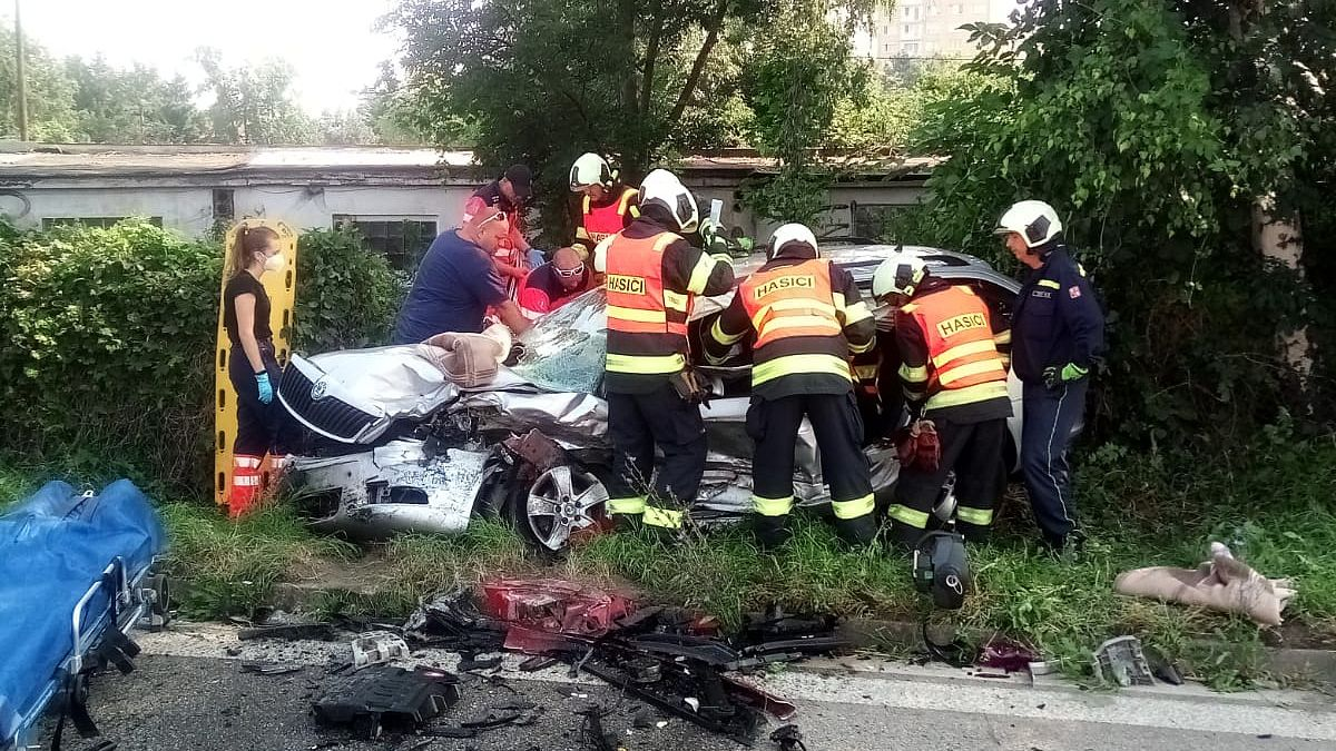 Hromadná nehoda zastavila hlavní tah v Budějovicích