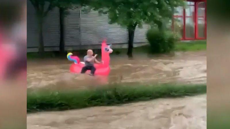 Mrtví po záplavách v Německu jsou hlavně ve sklepích