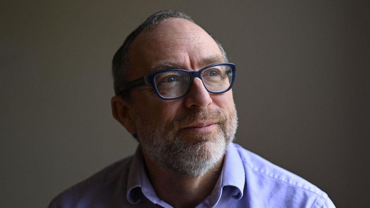 Zakladatel Wikipedie Jimmy Wales slaví pětapadesátiny